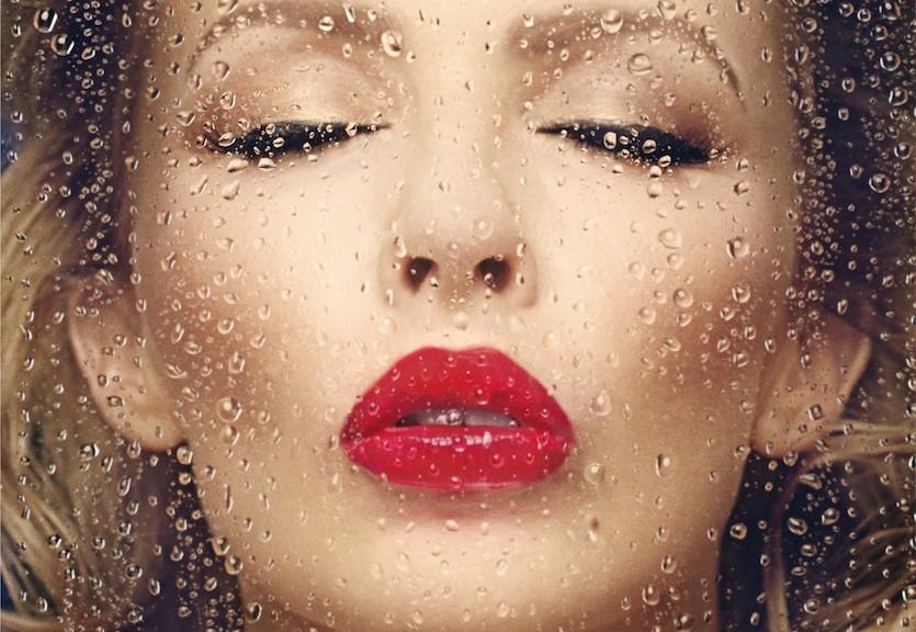"Kylie Minogue – ""Kiss Me Once"" (Warner Music)"