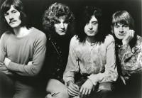 Led-Zeppelin-1969-bw2-court