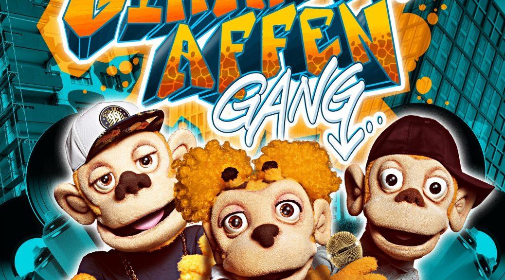 """Das mit Spannung erwartete Debütalbum """"Nö mit Ö"""" mit Songs ausschließlich aus der Feder der """"Giraffenaffen Gang"""" kommt am 22. Juli – die erste Single """"Ich tanz überall"""" erscheint demnächst."""